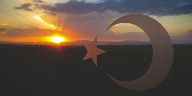 Turkse vlag met zonsondergang, Turkije